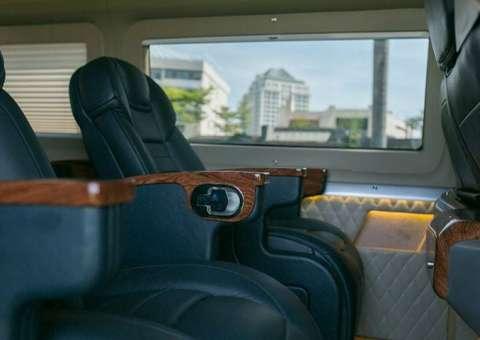 Giá xe Limousine thương mại