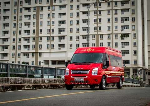 SKYBUS Infinity - Ford Limousine cao cấp