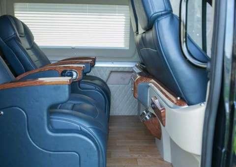 Ford Limousine thương mại 4