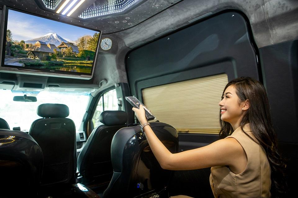 Tiện ích trên Solati Limousine 12 chỗ XLL