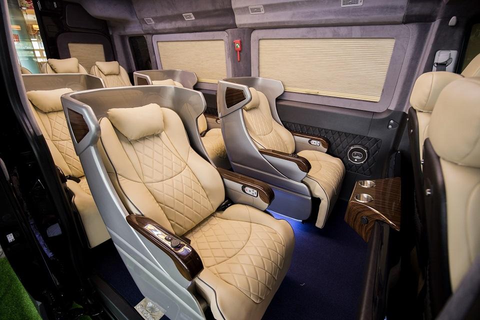 SKYBUS Solati XLE - limousine 10 ghế chỉnh điện