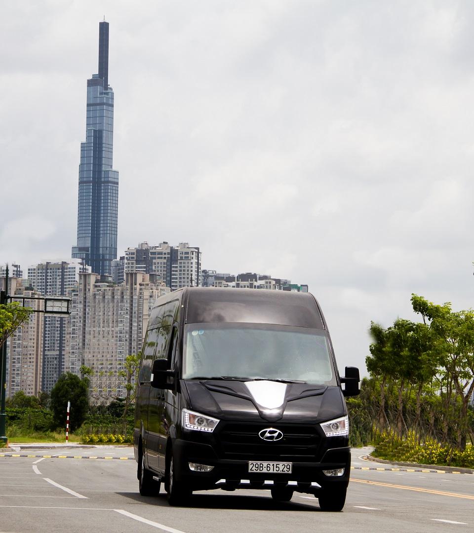 Hyundai Solati độ thành limousine hạng thương gia