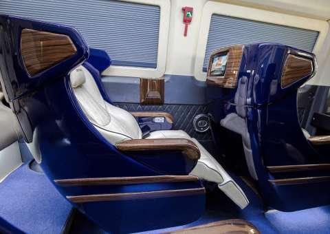 Chức năng ngả ghế trên  Solati Limousine Limited