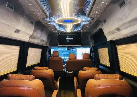 Xe Solati Limousine 10 chỗ nội thất