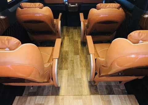 Xe limousine Solati 10 ghế VIP