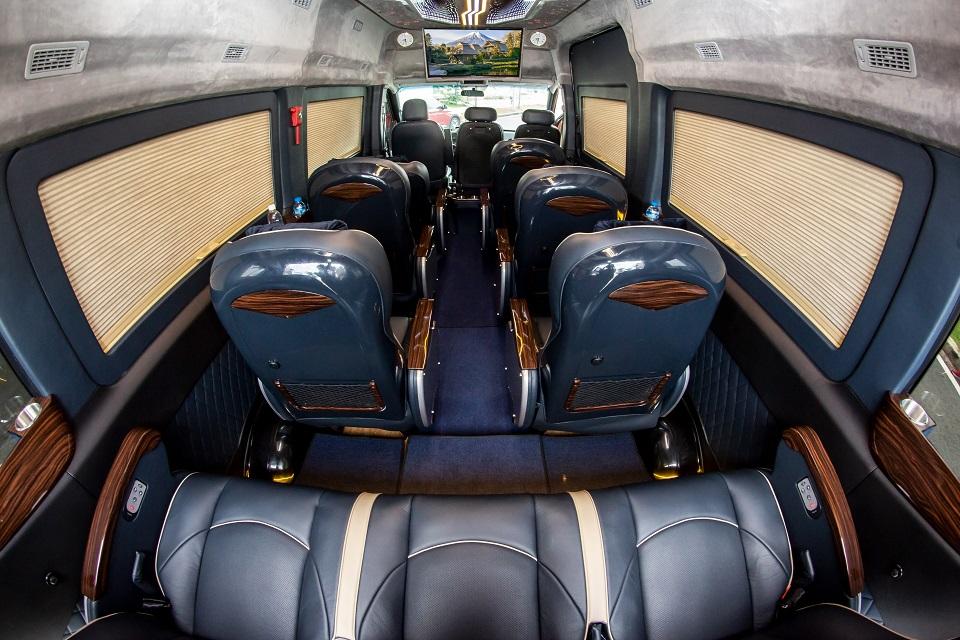 Solati Limousine hạng thương gia 12 ghế