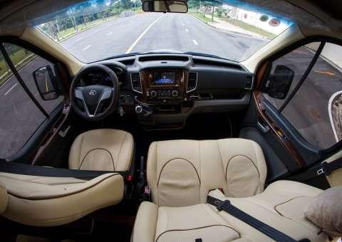 Khoang lái Solati Limousine 10 chỗ XS