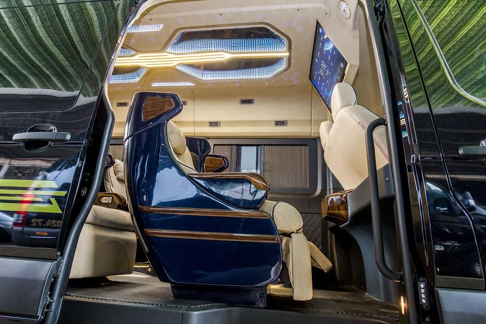 SKYBUS Solati Bold - Limousine ghế Boeing 6