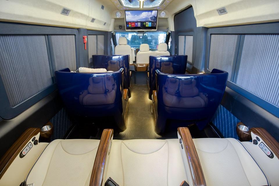 SKYBUS Solati Bold - Limousine ghế Boeing