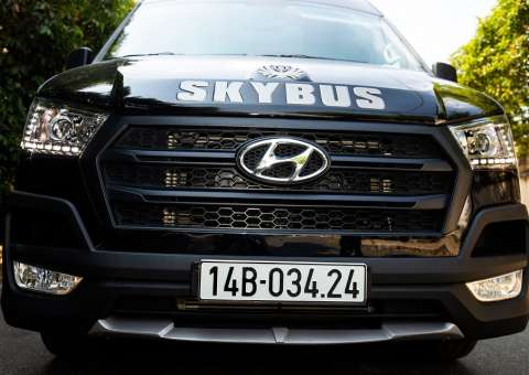 Solati Limousine 10 chỗ SKYBUS Special