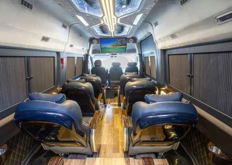 Solati Limousine 12 ghế vip SKYBUS Solati PRO 5