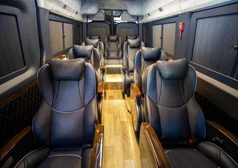 Solati Limousine 12 ghế vip SKYBUS Solati PRO 4