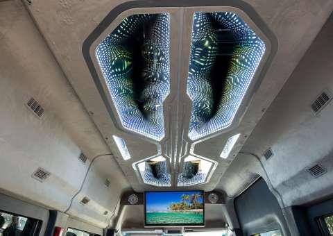 Solati Limousine 12 ghế VIPs SKYBUS PRO 14