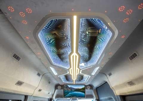 Solati Limousine 12 ghế VIPs SKYBUS PRO 13