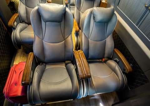 Solati Limousine PRO khoang lái 4