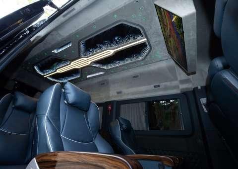 Solati Limousine 12 ghế VIPs SKYBUS PRO 15