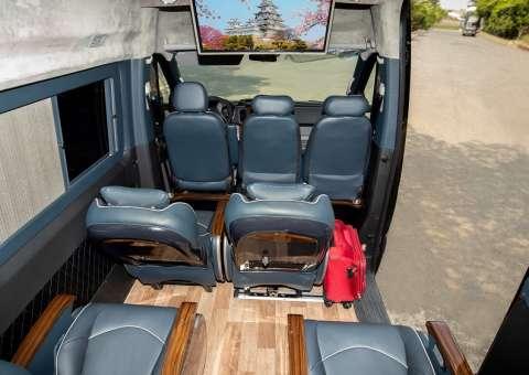 Solati Limousine 12 chỗ SKYBUS Pro 3