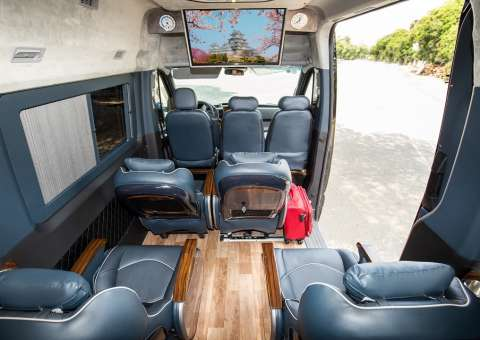 Solati Limousine 12 chỗ SKYBUS Pro 2