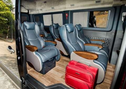 Solati Limousine 12 chỗ SKYBUS Pro