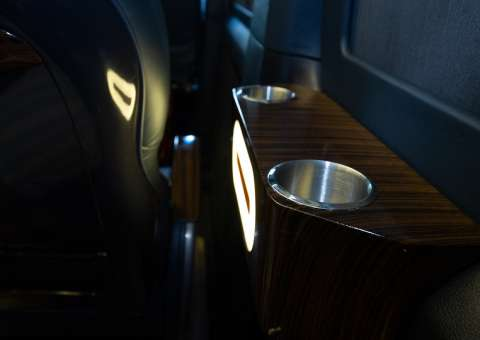 Solati Limousine 12 ghế VIPs SKYBUS PRO