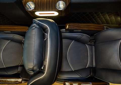 Solati Limousine 12 ghế VIPs SKYBUS PRO 2