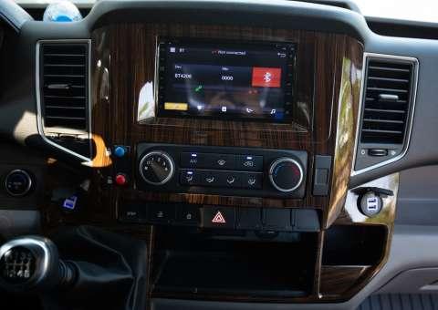 Solati Limousine PRO khoang lái 3