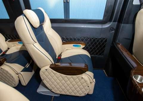 Solati Limousine 10 chỗ - SKYBUS Solati Special 14