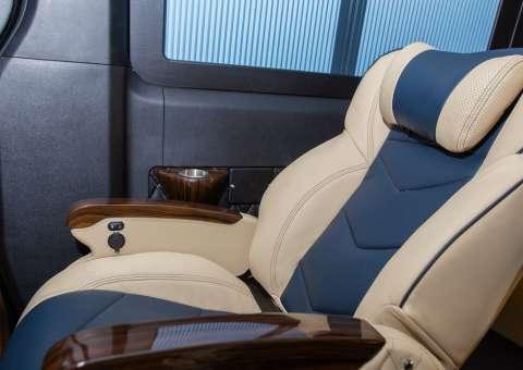 Solati Limousine 10 chỗ - SKYBUS Solati Special 13