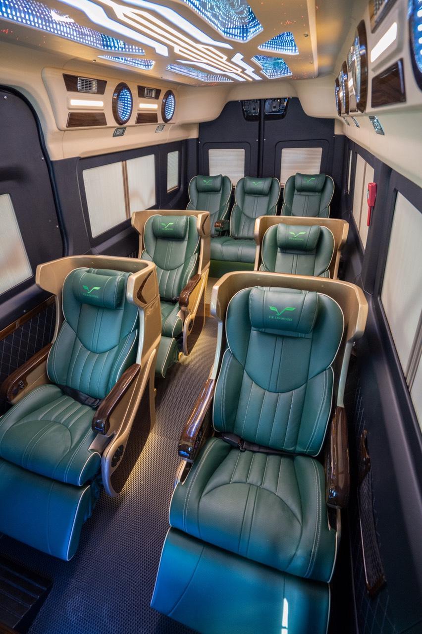 Skybus Limited - Solati Limosuine ghế VIP chỉnh điện 6