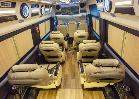Solati Limousine 12 chỗ - Skybus Pro 7