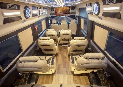 Solati Limousine 12 chỗ - Skybus Pro 6