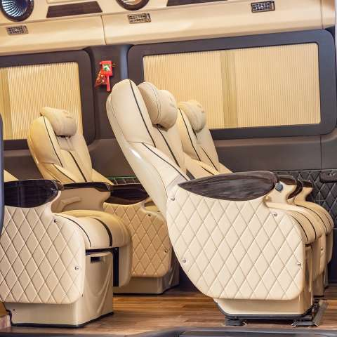 Solati Limousine 12 chỗ - Skybus Pro 4