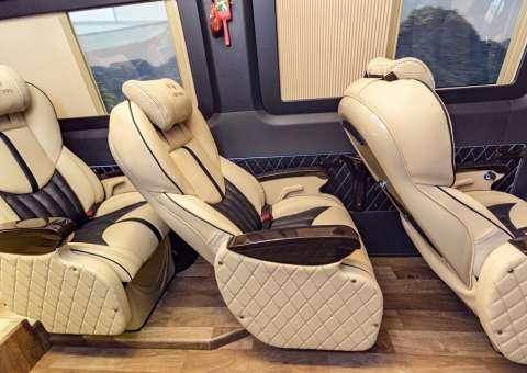 Solati Limousine 12 chỗ - Skybus Pro 14