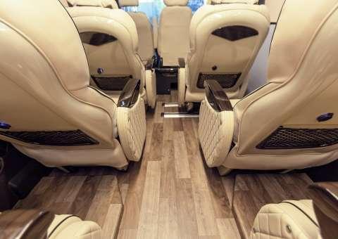 Solati Limousine 12 chỗ - Skybus Pro 15