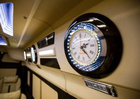 Solati Limousine 12 chỗ - Skybus Pro 10