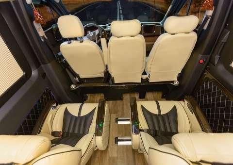 Solati Limousine 12 chỗ - Skybus Pro 12