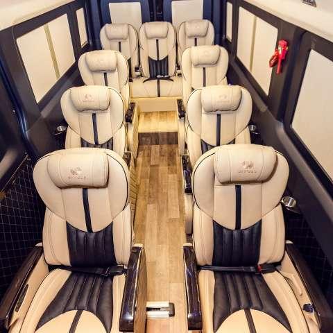 Solati Limousine 12 chỗ - Skybus Pro 2020
