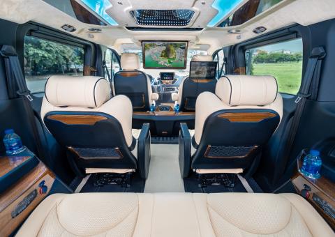 Nội thất xe limousine Skybus Tourneo