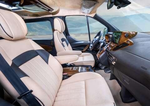 Tourneo Limousine 7 ghế VIP